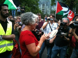 Berlin für Gaza, Demonstration vor Axel-Springer-Haus am 9.8.14_3++